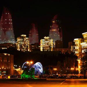Panorama_of_night_Baku,_Azerbaijan_IMG_9682